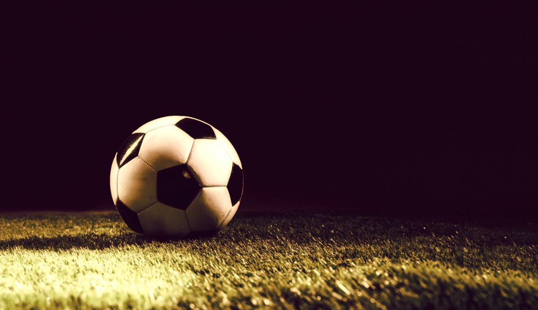 O grito de Liberdade nos gramados: Uma análise sócio-econômica sobre o futebol